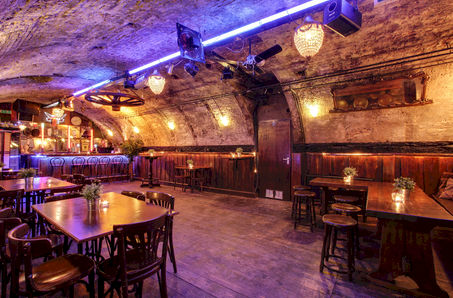 16e eeuws partycenter Old Cave