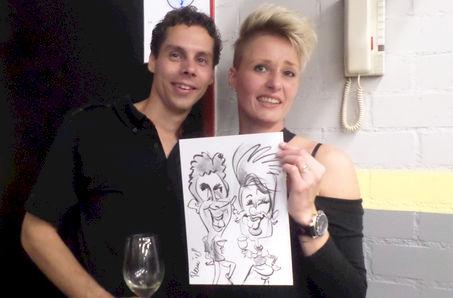 De goochelende karikaturist