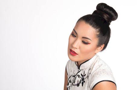 Make-Up Artist Sarah De Graef