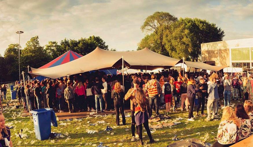festival overkapping.jpg