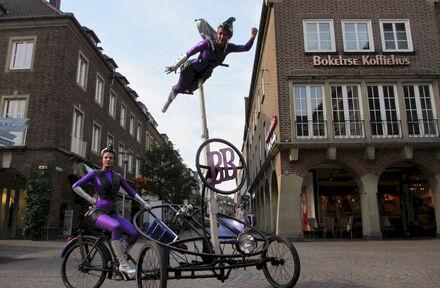Bike Babes - Foto 1