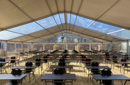 Schoolplein tenten - Foto 1