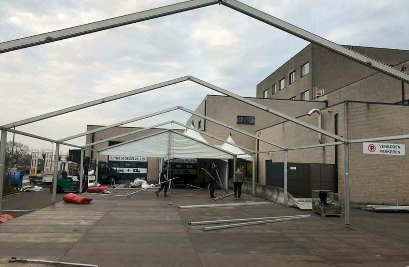 Quarantaine-tent - Foto 1
