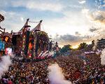 """Zware klap voor eventsector: """"Burgemeesters verbieden Tomorrowland"""""""