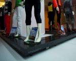 30 bewegende etalagepoppen stelen show op catwalk