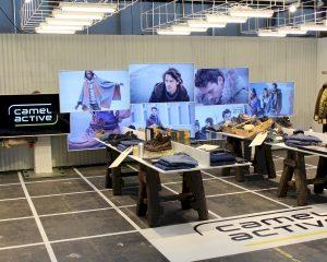 Indrukwekkende videowall met 8 zwevende schermen
