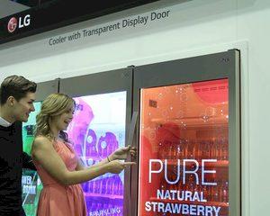 Cool: ijskast met transparant scherm in deur
