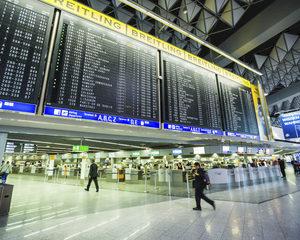 Te laat op congres door vertraagde vlucht? Je werkgever kan schade claimen