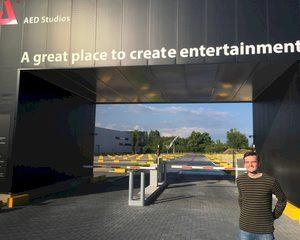 Jonge muzikant start eigen event- en concertzaal bij AED Studios
