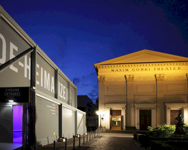 Maxim Gorki Theater houdt première in tijdelijk theater van Neptunus