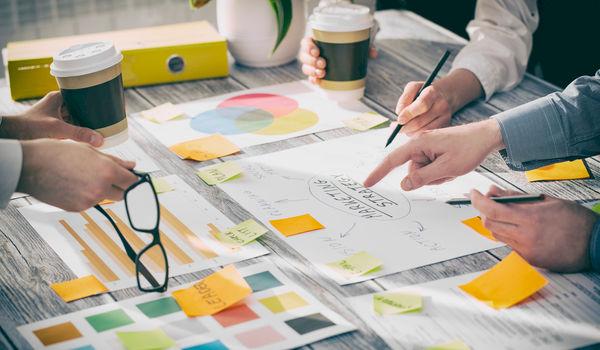 Brainstormen in groep minder effectief dan aangenomen