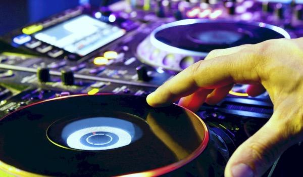 Wie is de beste DJ? - infograph
