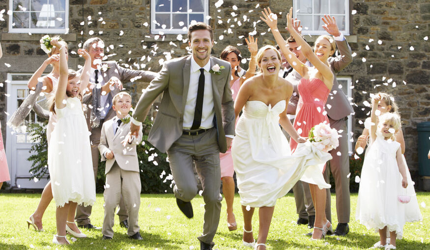 Hoe groter het huwelijksfeest, hoe groter het huwelijksgeluk?