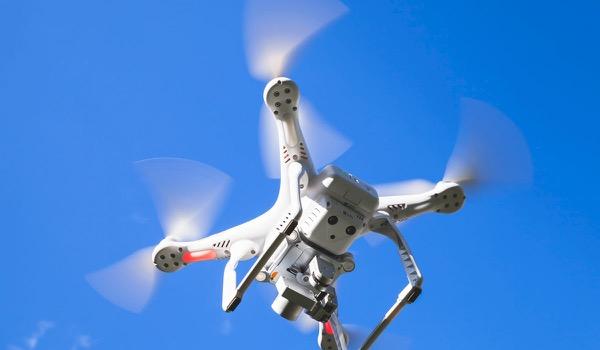 Drone mept deelnemer event bewusteloos